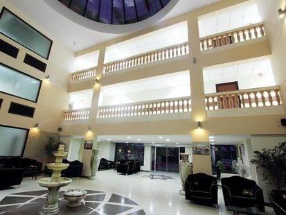 Queeny Hotel