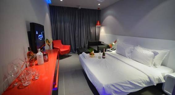 Sinq Party Hotel