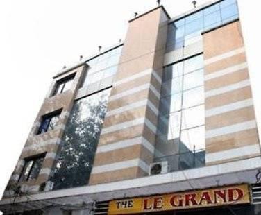 Le Grand Deluxe Hotel
