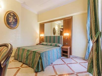Noto Hotel