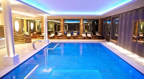 Aaritz Hotel