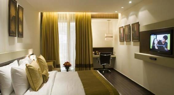 Shervani Nehru Palace Hotel