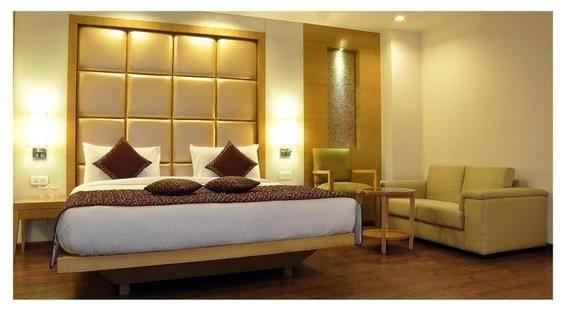 Almondz Hotel