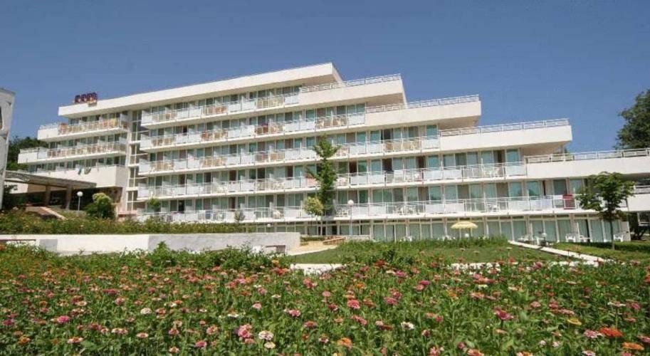 Com Hotel