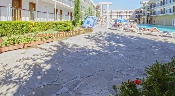 Amfora Beach Hotel