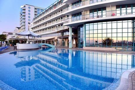 Berlin Golden Beach Hotel