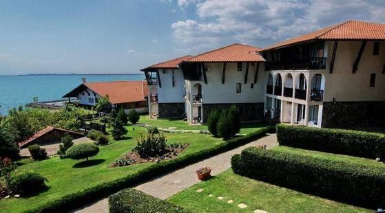Dinevi Resort Premium First Line