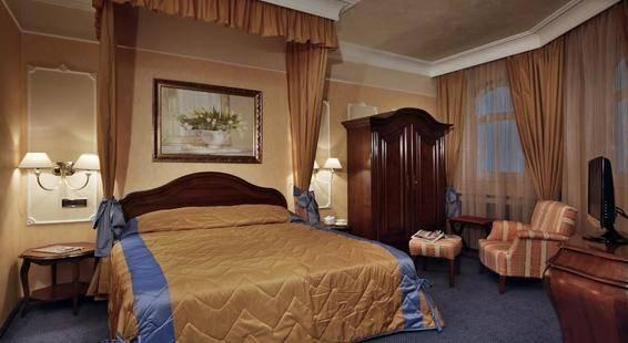 Festa Winter Palace Hotel