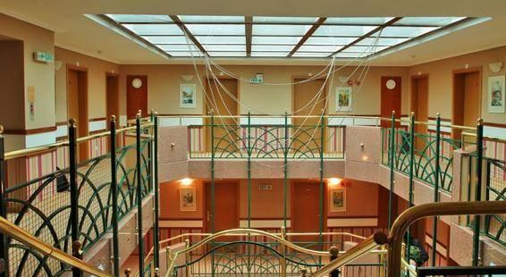 Glazne Hotel