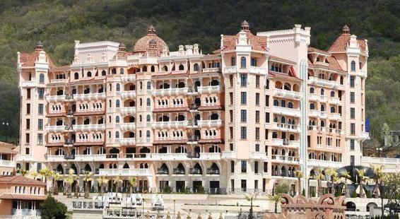 Royal Castle Hotel