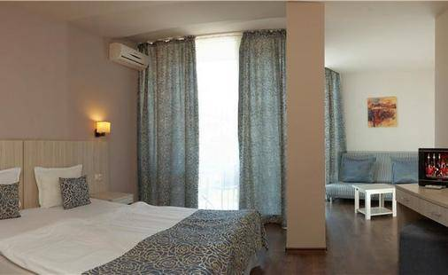 Slavey Hotel