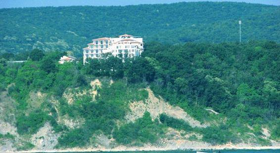 The Cliff Beach & Spa Resort