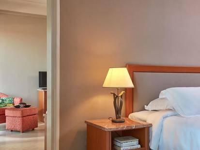Hinitsa Bay Hotel