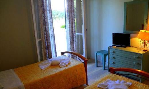 Veroniki Apartments
