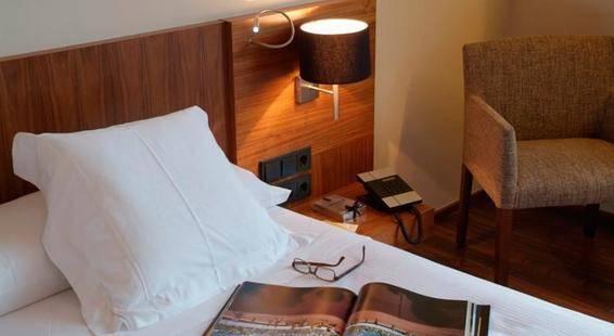 Advance Hotel