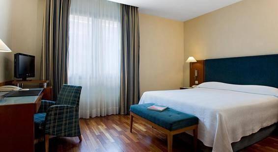 Nh Barcelona Centro Hotel