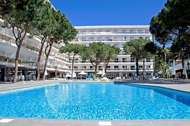 Oasis Park Hotel 3*