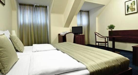 Kampa Garden Hotel