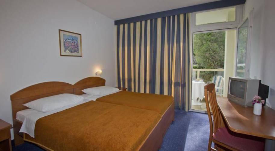 Vis Hotel