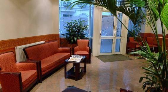 Atlanta Frochot Hotel