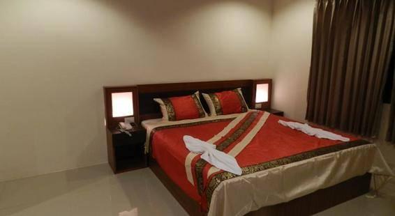 Suite Dreams Hotel