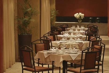 Sol Y Mar Ivory Suites Hotel