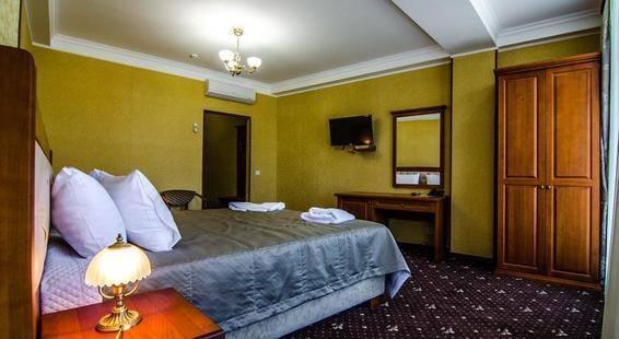 Ritsk Hotel