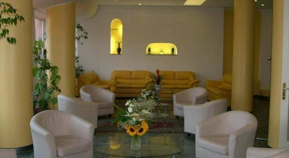 Robinia Hotel
