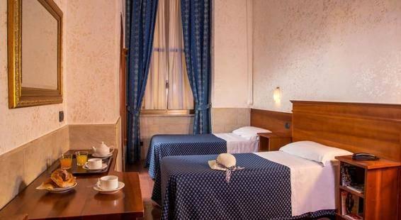 Luciani Hotel
