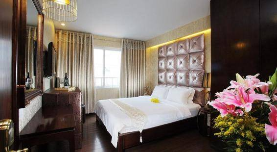 A & Em Corp Le Prince Hotel