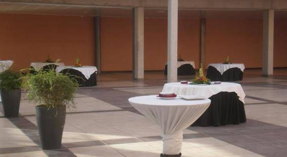 Alcala Plaza Hotel