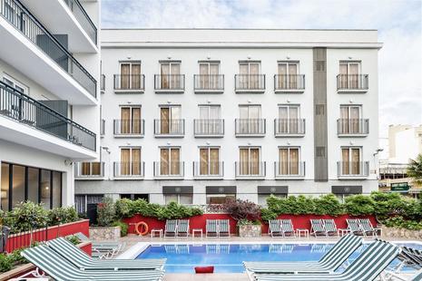 Aqua Hotel Bertran