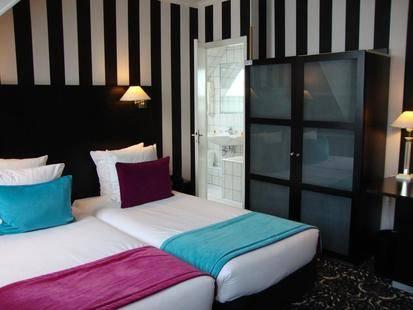 Peyris Opera Hotel