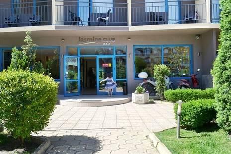Jasmine Club Aparthotel