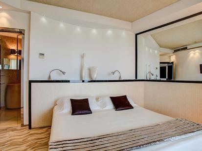 Premier & Suites Hotel