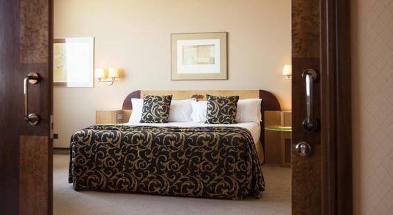 Rey Juan Carlos I Hotel