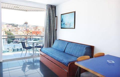 Blau Apartments