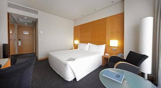 Silken Puerta Hotel