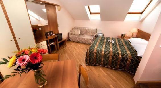 Select Rezidence Hotel