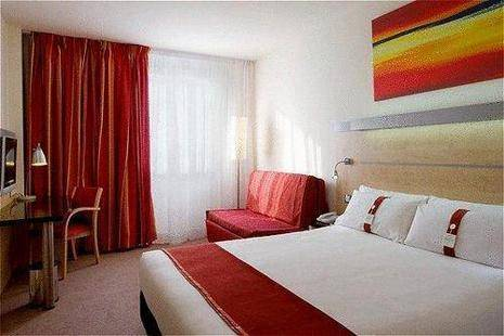 Holiday Inn Express Madrid Airport
