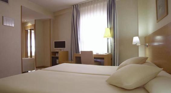 Infanta Mercedes Hotel