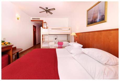 Zora Hotel