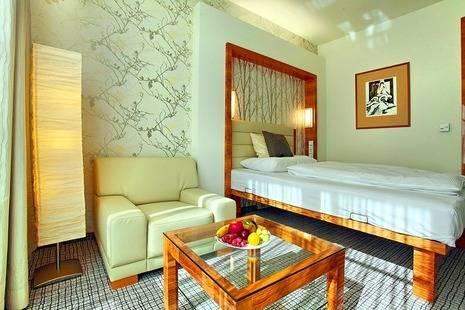 Royal Regent Hotel