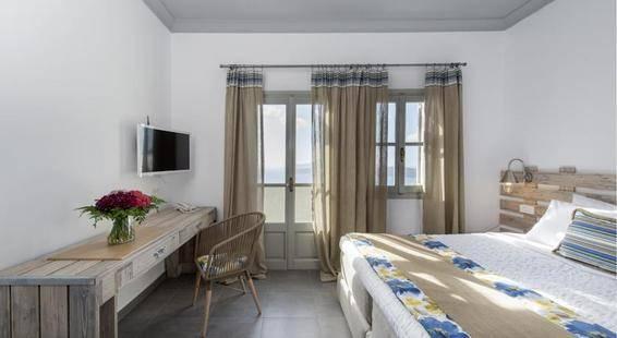 Caldera's Dolphin Suites