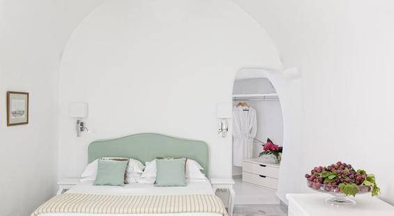 Canaves Oia Suites Hotel