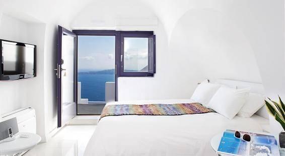 Chromata Santorini Hotel