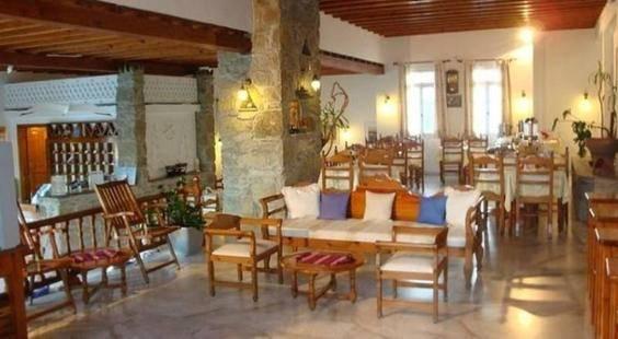 Vienoula's Garden Hotel