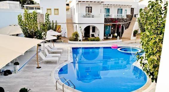 La Mer Deluxe Hotel