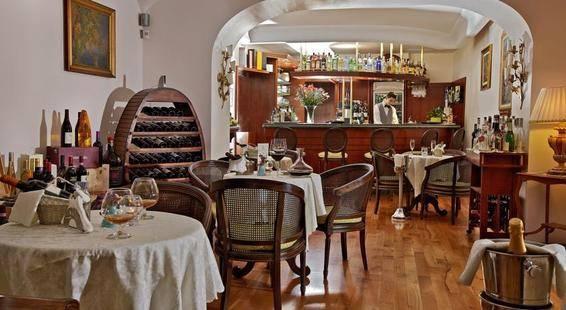 Eden Roc Suites Hotel