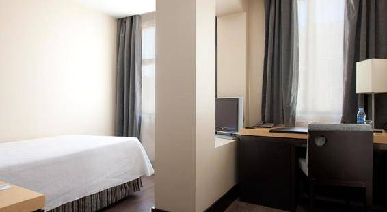 Nh Lagasca Hotel